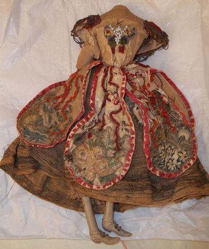 Vestige d'une poupée de Théâtre du XIXème...