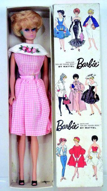 -«BARBIE», modèle «bubble cut» rousse (léger point de vert de gris aux oreilles)...
