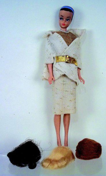 -«BARBIE» modèle «Reine de la Mode» avec...