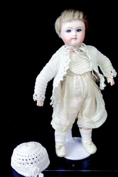 Ravissant petit bébé allemand de la maison...