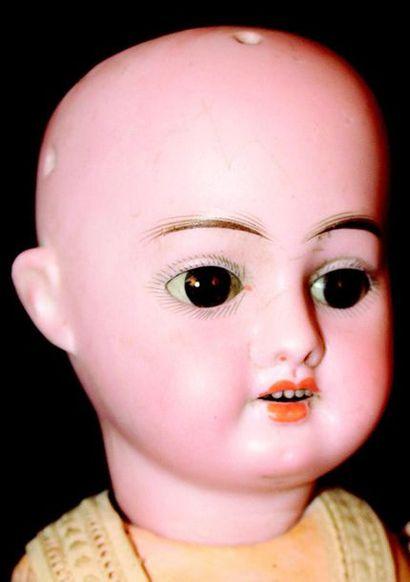 Bébé de fabrication allemande avec tête en...
