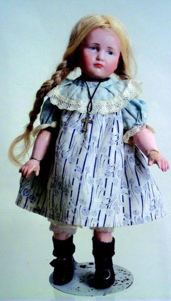 -«MARIE», petite poupée caractère allemande...
