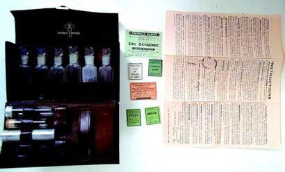 Pharmacie de poche de marque R.R Format 17x10 cm.Avec mode d'emploi et petites étiquettes...