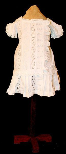 -Young girl white cotton dress, superbly...