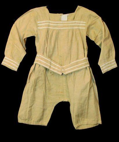 Two-tone cotton boy's bathing suit. For children...