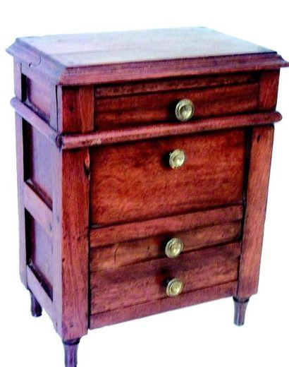 Very nice and rare mahogany secretary, opening...