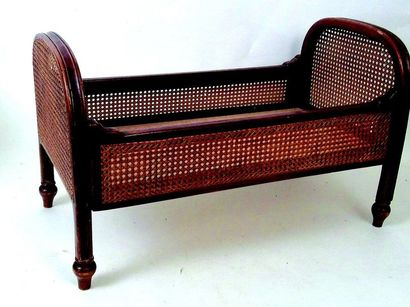 Doll's bed with woven wicker walls. Format:60x20x40cm