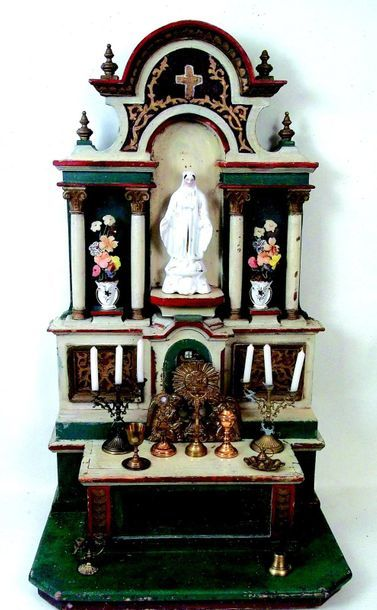-South American altar with numerous accessories...