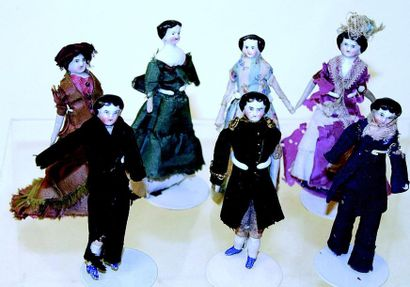 Set of 7 dolls from doll's houses, bisque...