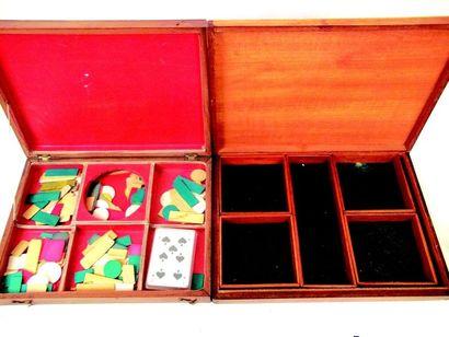 Ensemble de 4 boîtes à jetons en bois XIX et XXeme Format; 32x25cm,30x21cm,23x19cm...