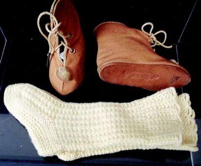 -Paires de bottines en cuir couleur miel...