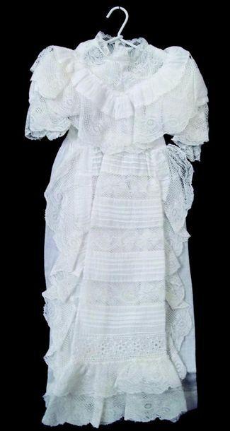 Petite robe de baptême pour bébé bru. H ...