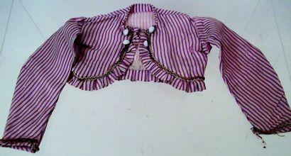 Lot de 4 robes de petites tailles de 14 à 17 cm +un haut de poupée parisienne