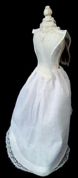 -Un corps de fichu en voile à col dentelle et un jupon en coton pour poupée parisienne...