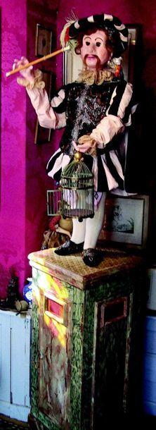 -«L'Oiseleur» superbe, grand et rare automate à musique en papier mâché. Représente...