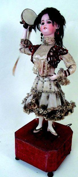 -«La Gitane» Automate à musique de fabrication...
