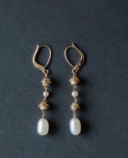 Paire de pendants d'oreilles en or 750°/°°...