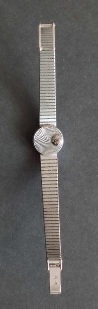 OMEGA MONTRE-BRACELET de Dame, boitier et bracelet en or gris 750°/°°, lunette à...