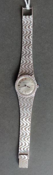 JAEGER LECOULTRE MONTRE-BRACELET de Dame en or gris, lunette sertie de diamants...