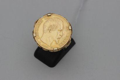 BAGUE, la monture en or jaune 750°/°° ornée d'une monnaie de Francs or Napoleon...