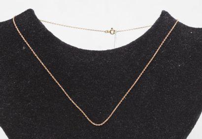 Petite chaine fine en or jaune 750°/00 Long : 38 cm   Poids : 1.9 g