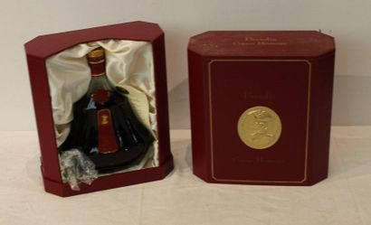 1 DECANTER OF HENNESSY PARADIS COGNAC IN...