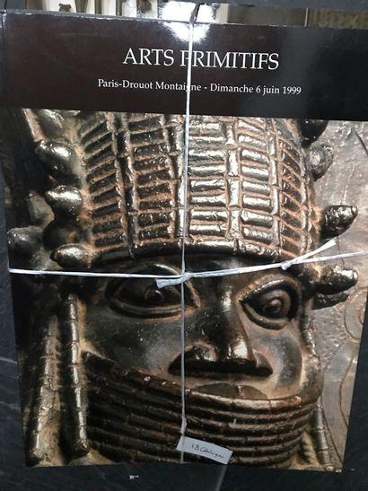 Dix-huit catalogues de vente d'Art Tribal...