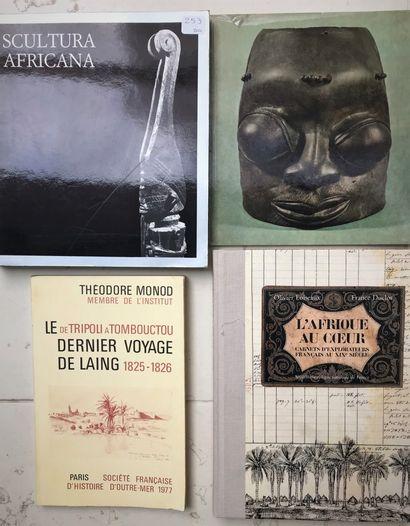 Quatre ouvrages : Sculptura Africana Villa...