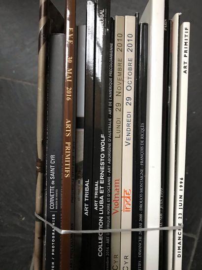 Dix-sept catalogues de vente d'Art Tribal de 1996 à 2016