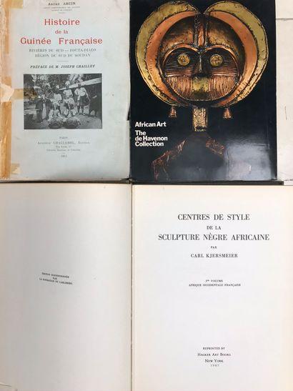 Trois ouvrages : Centre de style de la sculpture Nègre Africaine Carl Kjersmeier...