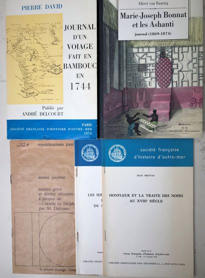 Deux ouvrages et trois fascicules : Marie-Joseph...