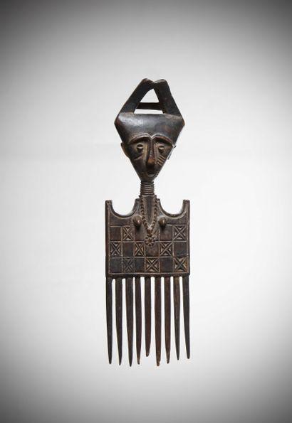 KOULANGO (Côte d'Ivoire)  Elégant PEIGNE à neuf dents, tête triangulaire et coiffure...