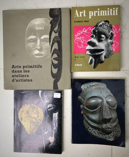 Quatre ouvrages : Arts promitifs dans les...