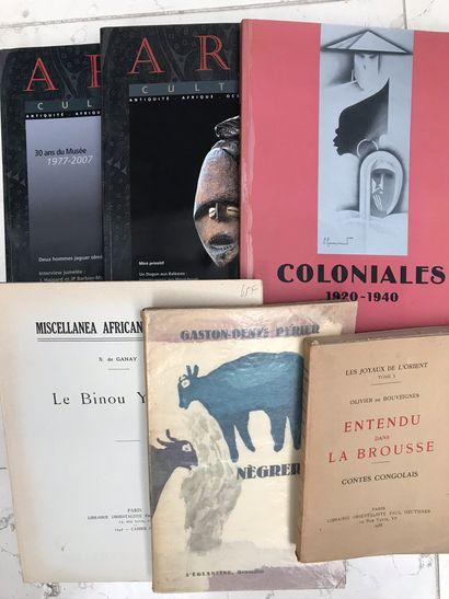 Cinq ouvrages : Coloniales 1920/1940 Boulogne-Billancourt...