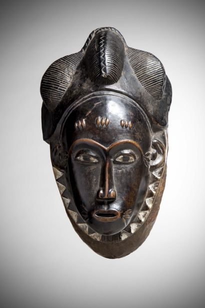 """BAOULE (Ivory Coast)  MASK portrait """"ndoma"""" with trilobal cap and temporal scarifications..."""