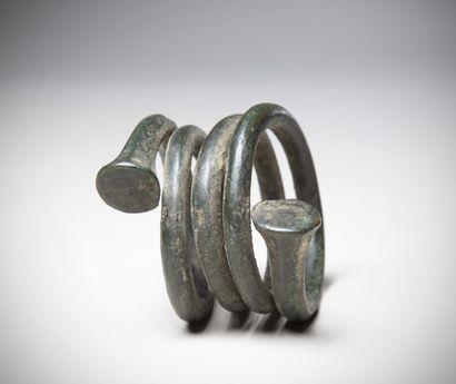 BAS NIGER (Nigéria)  BRACELET en bronze torsadé...