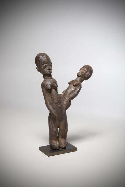 LOBI (Burkina Faso)  STATUE de maternité...