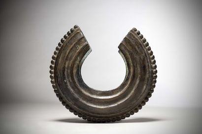 GUERE (Côte d'Ivoire)  JAMBIERE en bronze...