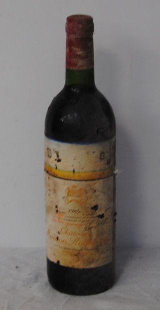 1 bout CHT MOUTON ROTHSHCILD 1983 (tb, étiquette...