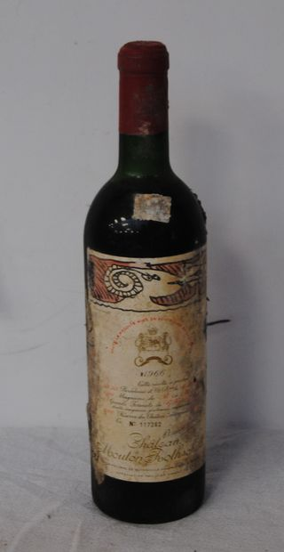 1 bout CHT MOUTON ROTHSHCILD 1966 (ntlb)