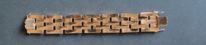 BRACELET articulated in yellow gold 7850°/°°, circa 1945/ 50 Weight : 73.7 gr Length...