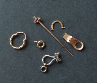 Jewelry elements in yellow gold 750°/°°°...