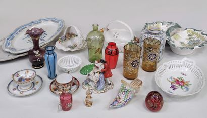 Set of various small knick-knacks: cups...