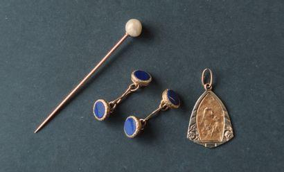 LOT OF GOLD DEBRIS Pin - medal - cufflinks...