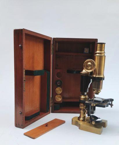 Microscope Maison Peter Lyon,Fin XIXème...
