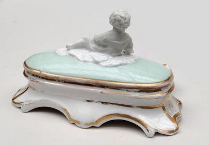 PARIS ENCRIER couvert en porcelaine émaillée...
