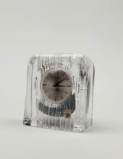 DAUM Pendulette moderne en cristal, mouvement...
