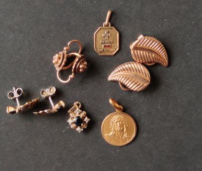 LOT de petits bijoux en or jaune 750°/°°,...
