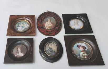 Ensemble de six miniatures décoratives représentant...