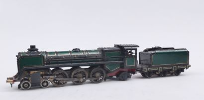 Steam LOCOMOTIVE with its painted metal tender, probably handmade, not in working...